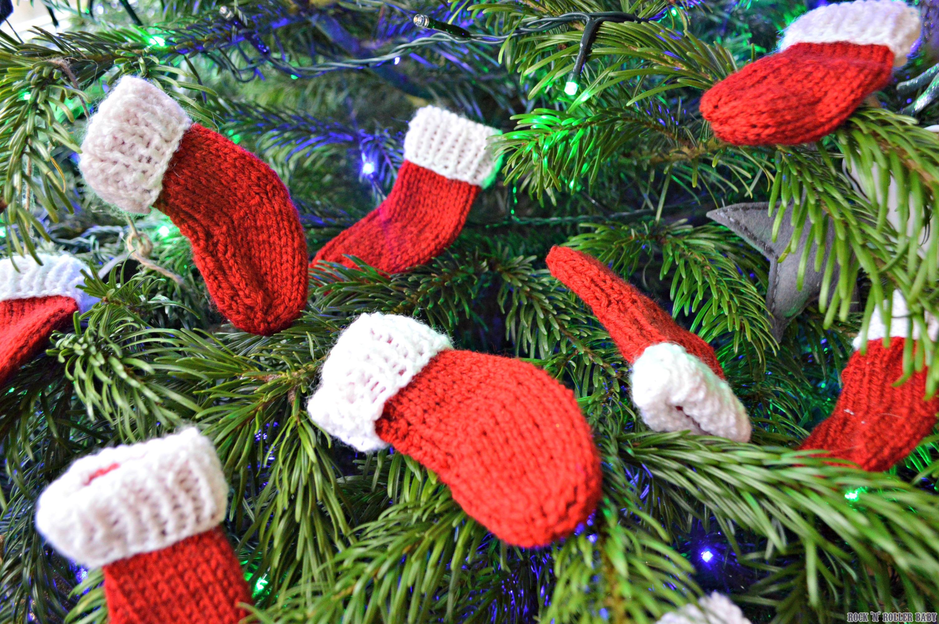Knitted Afghan Patterns In Squares : Mini Christmas Stockings   FREE Knitting Pattern! RocknRollerBaby