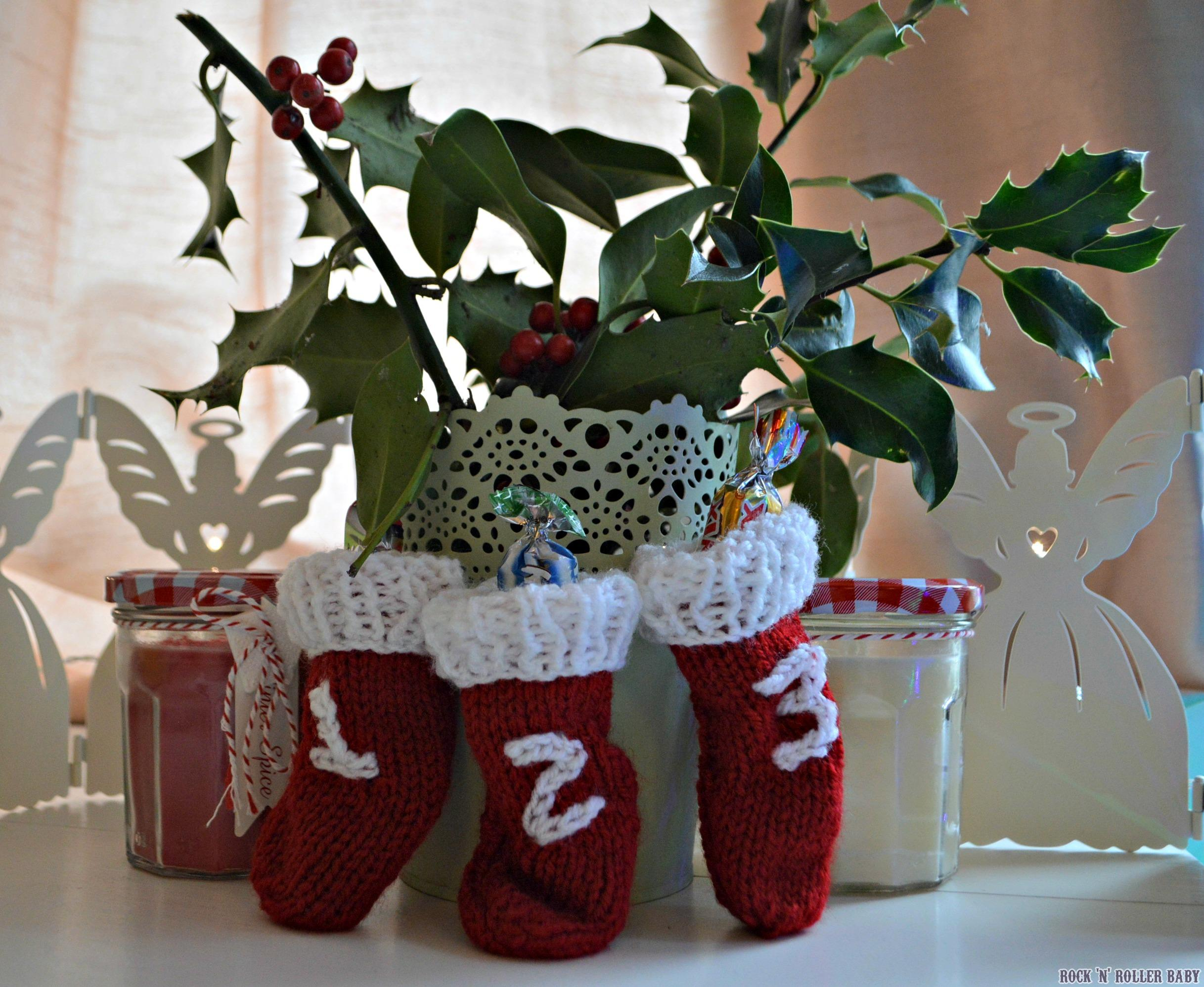 Knitting Pattern For Mini Christmas Stocking : Mini Christmas Stockings   FREE Knitting Pattern ...