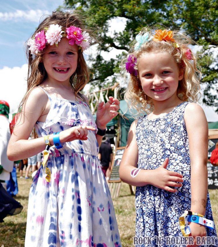 what's a fetival without flowers?!